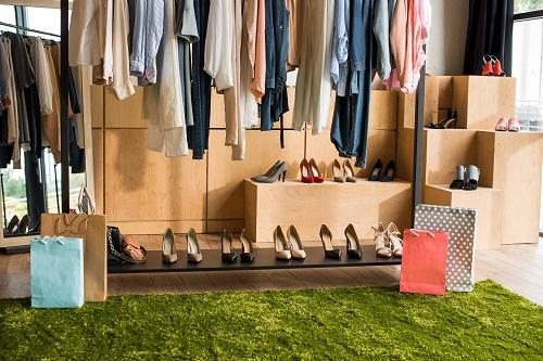 Acheter des chaussures professionnelles adaptées à son activité.