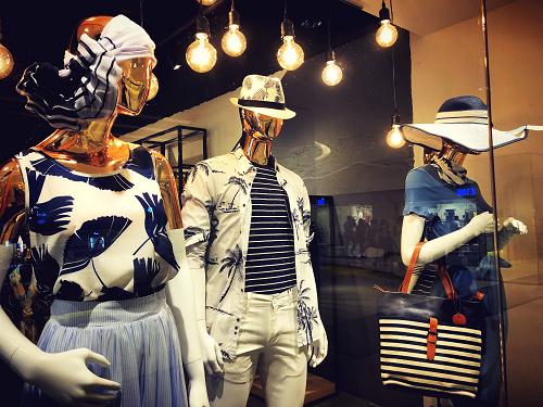 Mannequins à Marseille pour une boutique